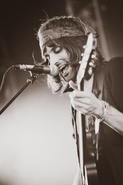 Kasabian singer Tom Meighan photographed by Kacper Sarama