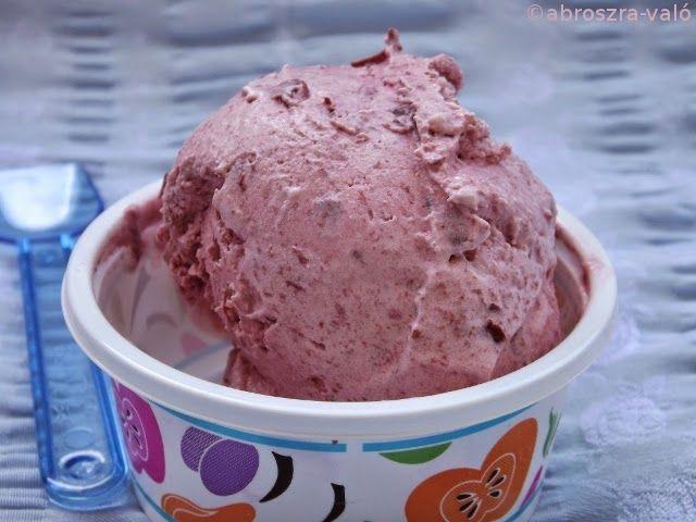Kipróbált és bevált receptek: Joghurtos meggyfagylalt