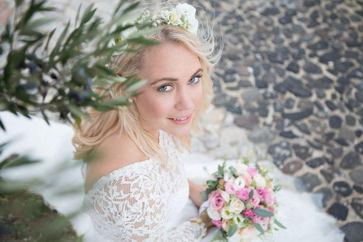 #wedding_santorini #greece #santorini #bride_portraits #destinationwedding #olives #olivetrees