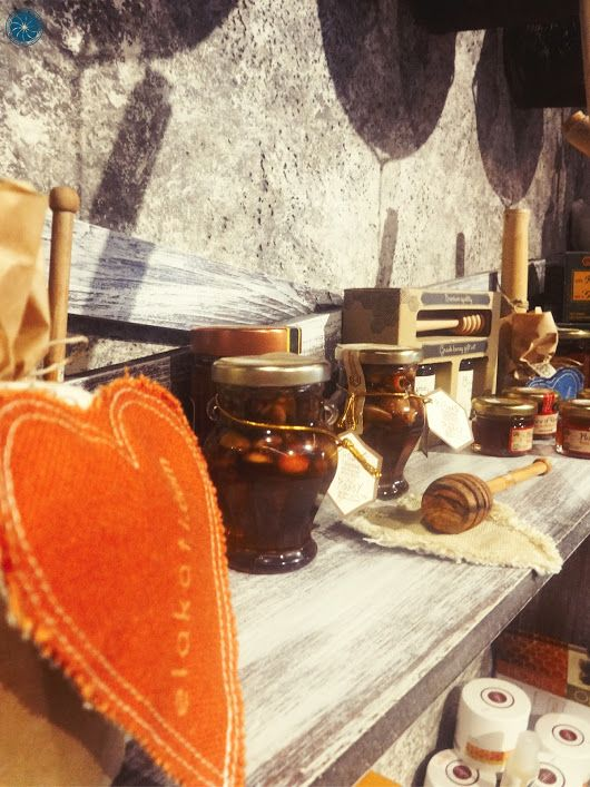 Take a bit of Greece with you from our little #GreekCorner at #Elakati! A selection of the perfect gifts not only for your loved ones but for yourself as well! http://www.elakati.com/ #elakatiexperience