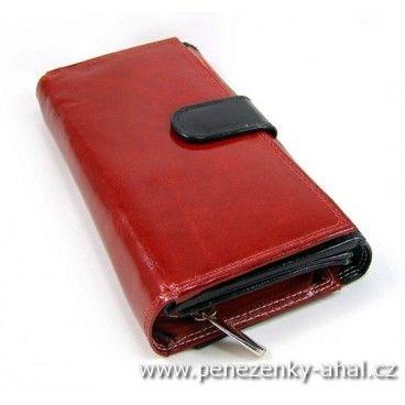 Dámská velká kožená peněženka je prektickým pomocníkem do kterého dáte vše potřebné..