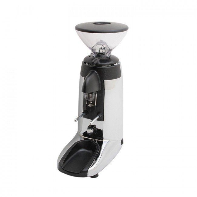 The Compak K3 Touch Advanced Grinder is the next generation of the K3 line of espresso grinders. Built for espresso grinding in busy cafes and the homes of enthusiasts, this grinder doesn't disappoint.