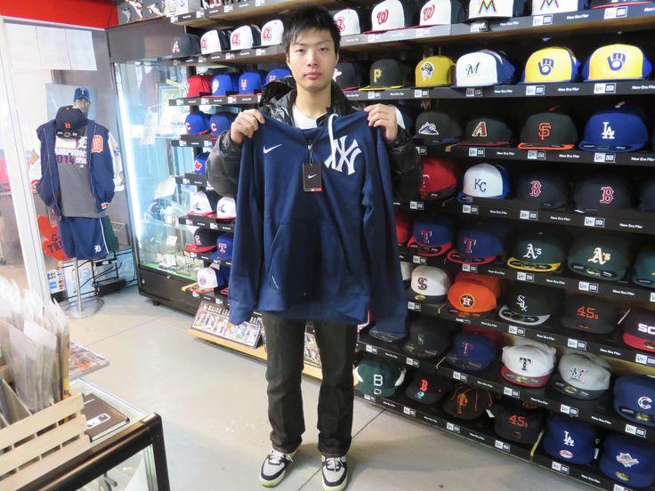 【新宿1号店】2014.12.05 MLBナショナル・リーグ好きのお客様です。ヤンキースのフーディがよくお似合いでした!ぜひ、来年はプレーオフに行けるといいですね。