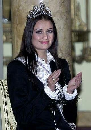Oxana Fedorova - Miss Universe 2002 - Russia