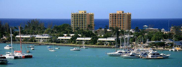 Montego Bay en Jamaïque attire les touristes venus des quatre coins du monde. Suivez nos conseils pour éviter les masses touristiques et réussir vos vacances!