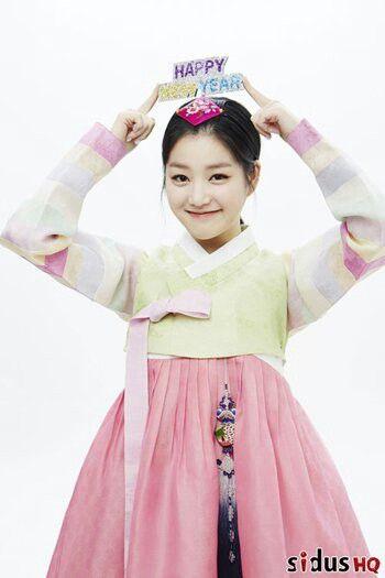 Lee yoo bi in hanbok