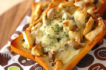 相性バッチリのキノコ、みそ、マヨネーズで朝食にもピッタリなトーストです☆