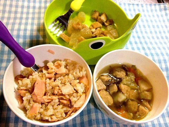 子供用です。 - 4件のもぐもぐ - 塩ますごはん(玄米)、肉団子と野菜のスープ、油揚げと大根の煮物 by たびもか
