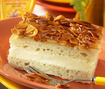 """Bienenstich.  My favorite German dessert  """"Bee sting cake""""     WELL... maybe not so fast BUT defenently worth it.... soooo yummy !!!!"""