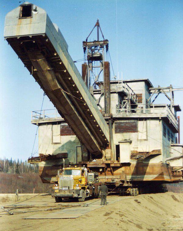 Small Gold Mining Dredges : Moving the pedro gold dredge chicken alaska mining
