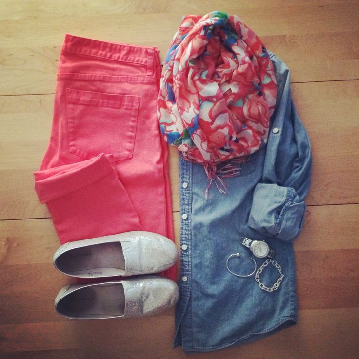 Love the colored jeans with the chambray shirt