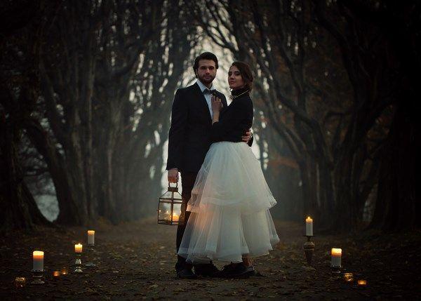 jesienna sesja ślubna z motywem złota i złotymi dodatkami gold wedding, autumn wedding, jesienne wesele, plener ślubny