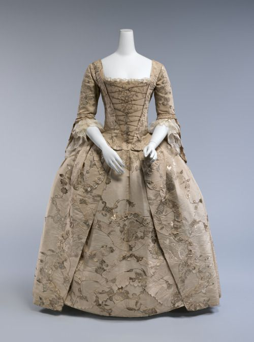 Robe à l'anglaise ca. 1747, altered 1770′sFrom the Metropolitan...