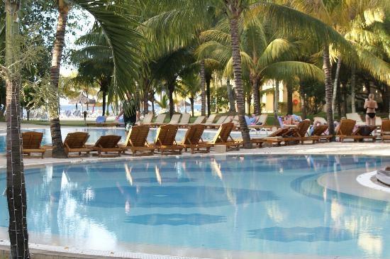 Piscine (chucky18, Dec 2012)  second sejour dans cet hotel - Le Canonnier - Mauritius