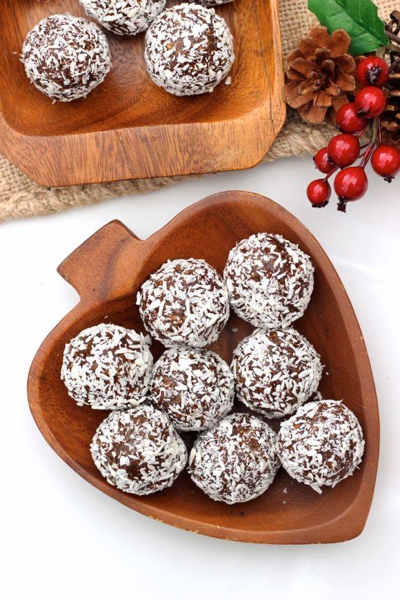 No-Bake Gingerbread Cookie Balls (Grain-free, gluten-free, vegan, paleo)