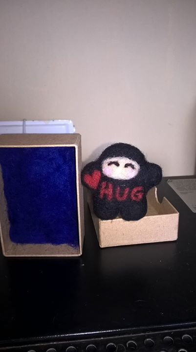 Eeep I managed to get my ninja hug even smaller but he's still packed to the brim with ninja hugginess