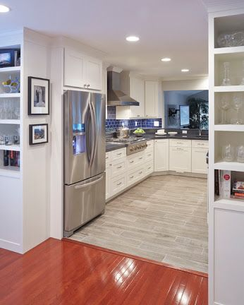 https://plus.google.com/share?url=http://www.houzz.com/photos/36538672/A-Different-Take-on-Cookie-Cutter-transitional-kitchen-baltimore