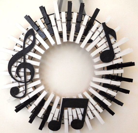 Musical Instrument, Piano Keys, Musical Notes, Treble Clef, Musician Clothespin Wreath, American Made. 4 out of 5 Components of this Clothespin Wreath...