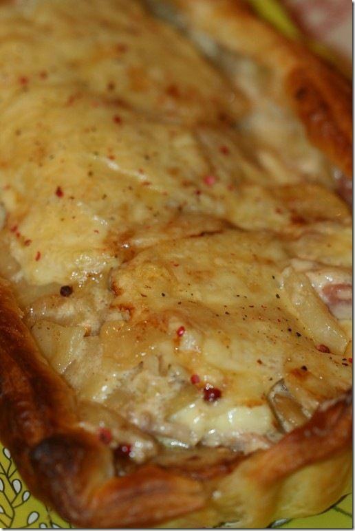 Voici une bonne idée pour recycler des tranches de fromage pour raclette. Pour une bonne organisation, pensez à cuire vos pommes de terre à l'avance. A déguster avec une petite salade le soir ! J'ai utilisé le moule rectangulaire réf.FM 496 ainsi que...
