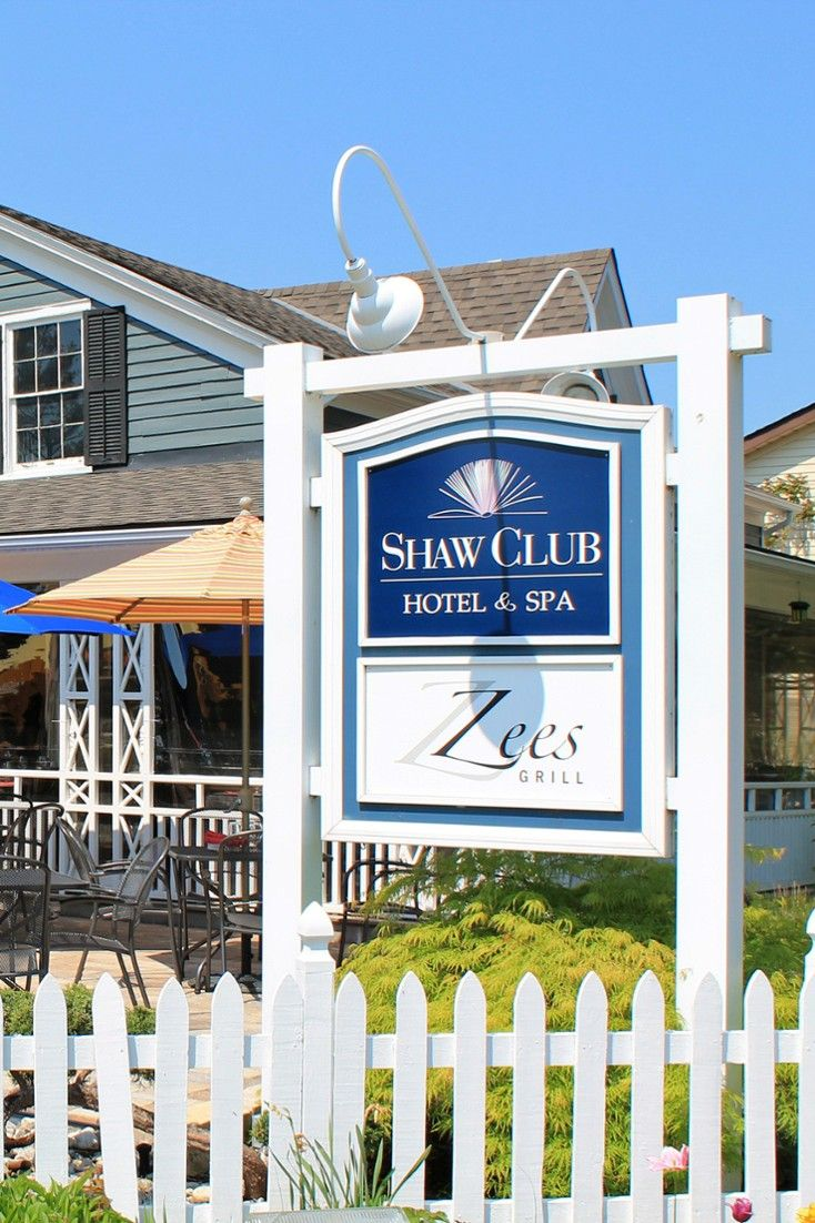 Shaw Club Hotel & Spa 92 Picton Street, Niagara-on-the-Lake, Canada- Zees Grill offers exceptional food (lobster poutine, anyone?) and a lively patio dining scene. #Jetsetter