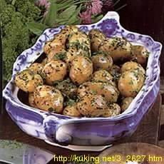 Молодой картофель с травками
