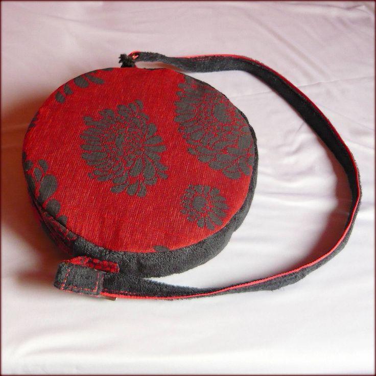 Handmade by Judy Majoros - Gray-red carpet round bag with pompoms.Shoulder bag. Crossbody bag.  Recycled bag