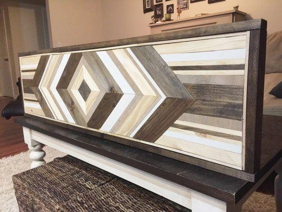 Artículos similares a arte de pared de madera - chevron reciclado madera de la pared arte - arte moderno - decoración de madera en Etsy