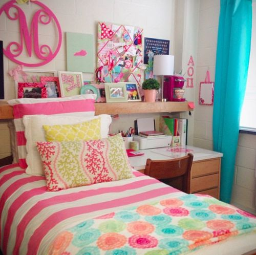 girly dorm room  Cant Wait for College  Pinterest  ~ 211154_Dorm Room Girly Ideas