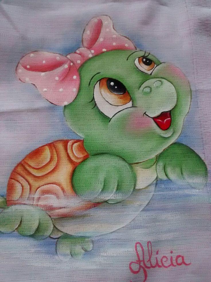 Fralda pintada por Célia Xavier.