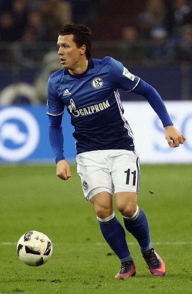 Evgen Konoplyanka of Schalke controles the ball during the Bundesliga match between FC Schalke 04 and SV Darmstadt 98 at Veltins-Arena on November 27, 2016 in Gelsenkirchen, Germany.
