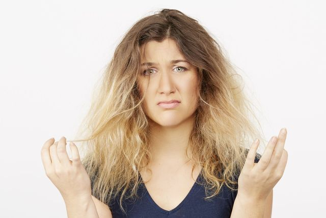 Find out how to properly tame frizzy hair without damaging it. Even in the most humid months of the year.