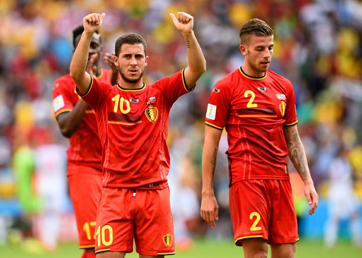 RIO DE JANEIRO, BRAZIL - JUNE 22: Eden Hazard of Belgium (L) acknowledges the fans after a 1-0 victory in the 2014 FIFA World Cup Brazil Group H match between Belgium and Russia at Maracana on June 22, 2014 in Rio de Janeiro, Brazil. (Photo by Matthias Hangst/Getty Images)