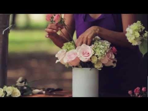 Como hacer un arreglo floral  de rosas y hortensias Escuela floral LA VIOLETERA - YouTube