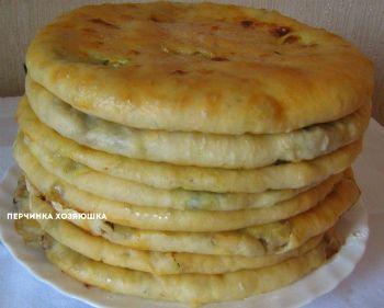 Кубдари (Kubdari) - грузинский  пирог с мясом    Кубдари...Какое красивое мелодичное грузинское слово .А ведь так называется обыкновенный пирог с мясом,который был придуман в северно-западной части Грузии — Сванетии.Признаюсь, что готовя очередное  блюдо грузинской кухни, я даже не ожидала, что  будет настолько вкусно.Впрочем,разве   грузинская кухня может быть другой?