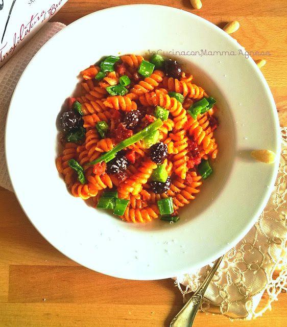 In Cucina con Mamma Agnese: Fusilli Olive nere ed Aglio fresco Idea Golosa🍃 Fusilli Olive nere ed Aglio fresco