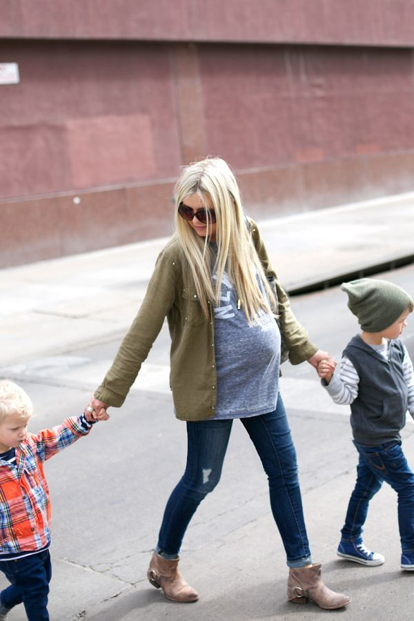 Casual Maternity Street Style