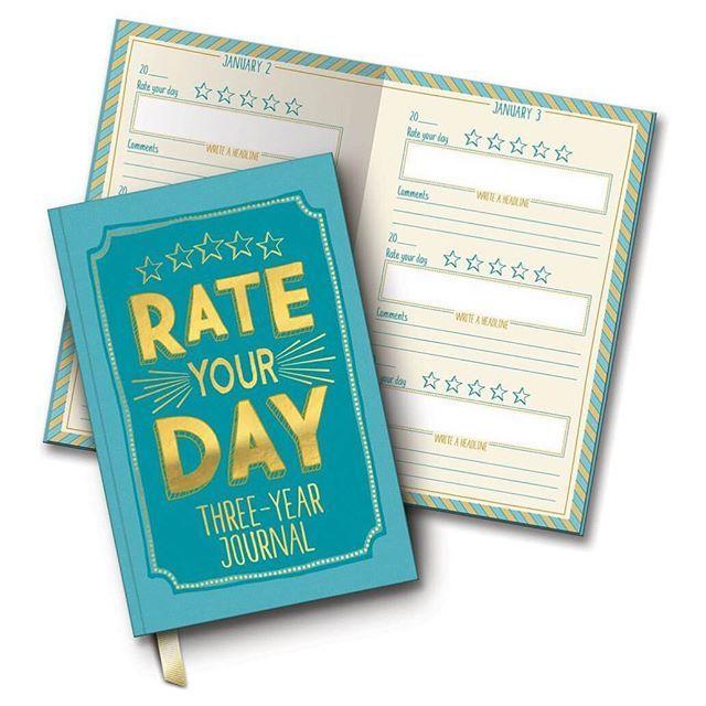 || New in || We hebben een nieuw soort One line a day dagboek binnen. Deze is voor 3 jaar en dagelijks geef je de dag sterren, schrijf je hoogtepunt op en heb je nog ruimte voor 1-2 zinnen over de dag. Leuk als je wel een dagboek wilt bijhouden maar niet zo veel wilt schrijven.  #new #dagboek #dagboeken #rateyourday #studiooh #mylovelynotebook #diary #journal #notebook #petrol #gold #goud #schrijven #sterren #hoogtepunt #3jaar #onelineaday #dutch #webshop #webwinkel #instadaily #potd…
