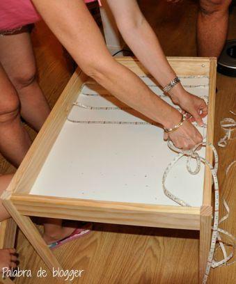 La mesa de luz es un excelente recurso educativo que tiene múltiples posibilidades. Los niños disfrutan experimentando.