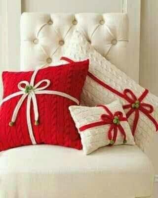Olá arteirinhas, tudo bem?  O Natal se aproxima e com ele um mar de ideias lindas, peças encantadoras e coloridas para os mais diferente...
