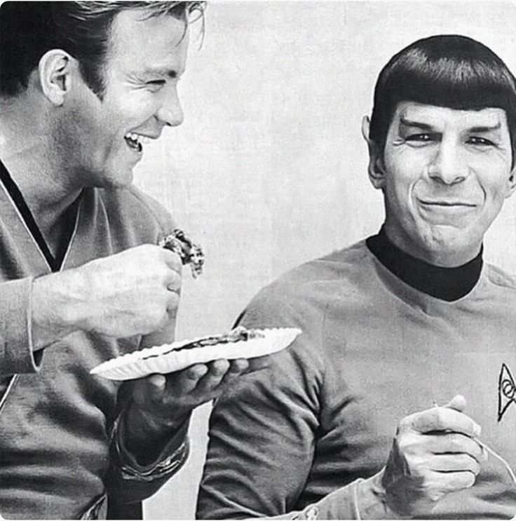 William Shatner (Cpt. Kirk) & Leonard Nimoy (Mr. Spock) Behind the Scenes of Star Trek: The Original Series