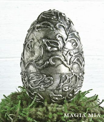Plastic eggs, glue gun & silver leaf ~ I would love some of these! ~ Magia Mia