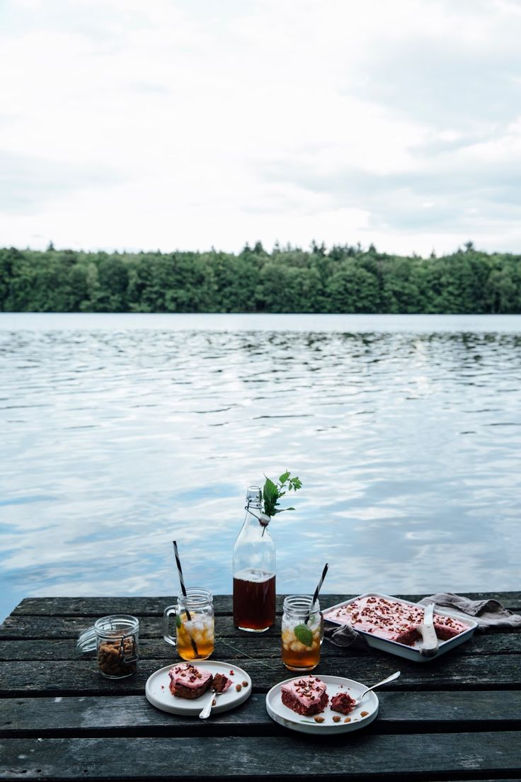 our food stories: glutenfree beetroot cake with date sugar & a trip to the lake