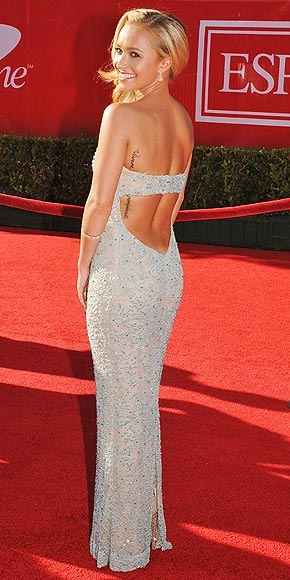 Hayden Panettiere at the ESPYs--I love people who embrace their BUTTS and their athletic bods