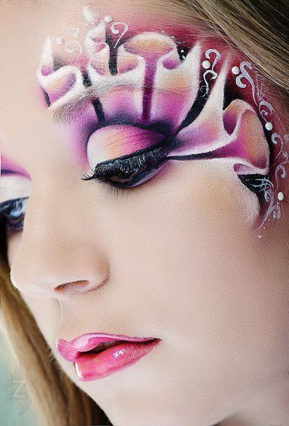 Make Up Is An Art-> looks like a fractal around her eye.  #jewelexi  #faceart  #makeup