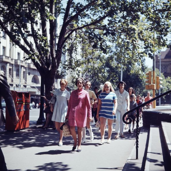 """Melbourne in the 1960s, photo by Angus O'Callaghan, """"Fashion""""."""