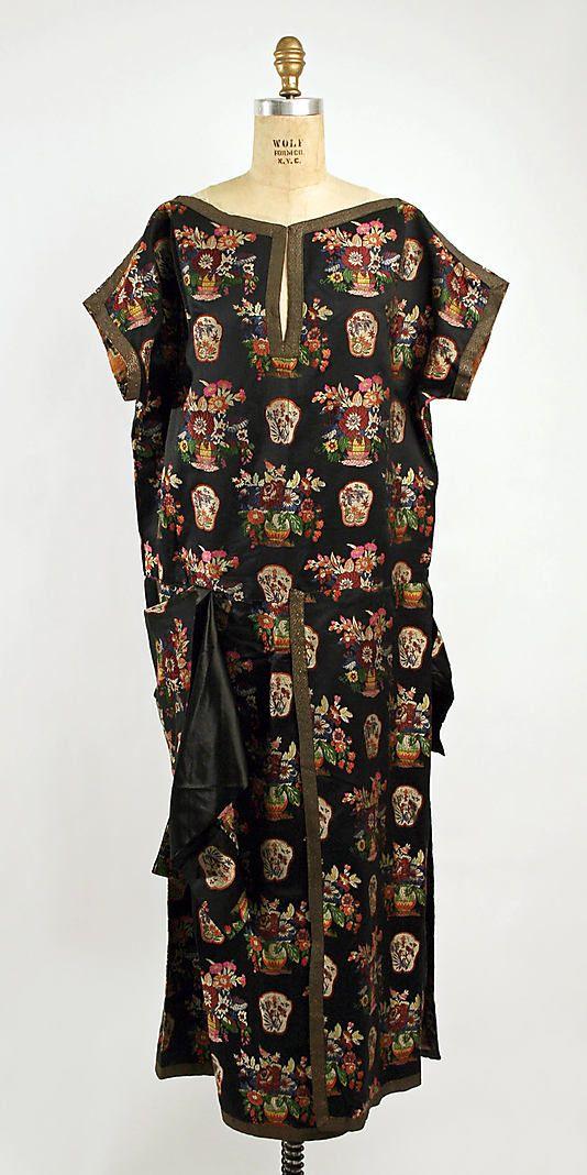"French Evening dress *  silk, metal braid     ca. 1922 Madame Havet       Maison Agnès/Madame Havet/4, rue Auber"""