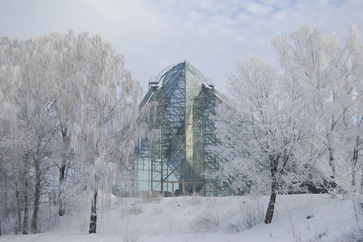 *THE ESSENCE OF THE GOOD LIFE™* Hamar Cathedral in the frost.