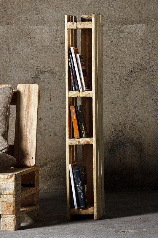 Llibreria / Ref. 24019   Mobles fets de palets i caixes de fusta