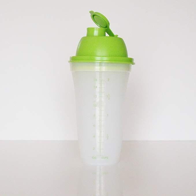Tupperware Green Quick Shake for Mixing Blending Shaking