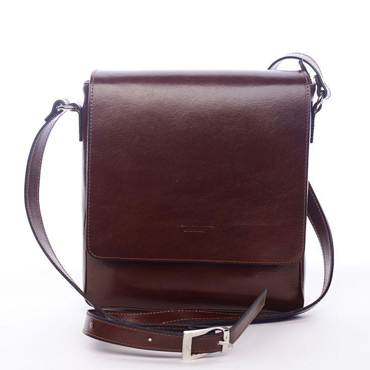 Stylová pánská kožená taška, vyrobená s kvalitní kůže.  #móda #muži #vánoce #dárky #kvánocům